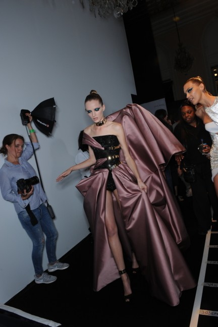 versace-haute-couture-autumn-winter-2014-2015-backstage-205