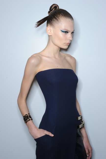 versace-haute-couture-autumn-winter-2014-2015-backstage-34