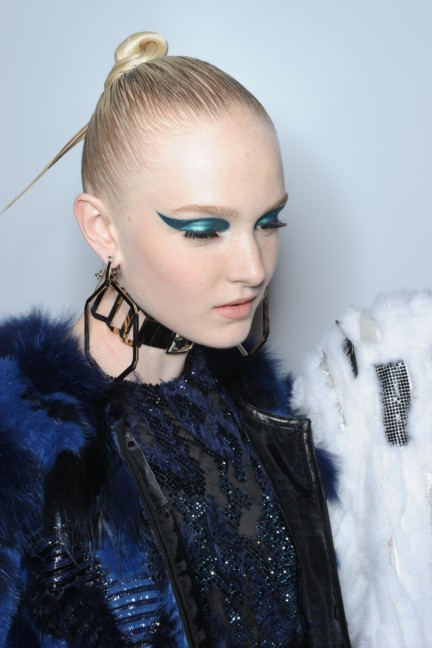 versace-haute-couture-autumn-winter-2014-2015-backstage-53
