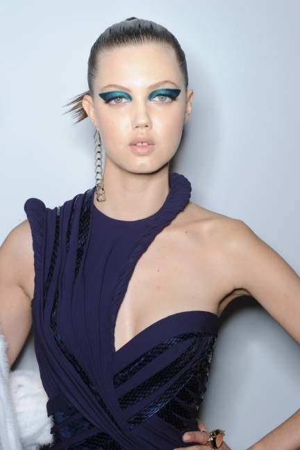 versace-haute-couture-autumn-winter-2014-2015-backstage-55