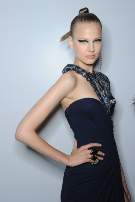 versace-haute-couture-autumn-winter-2014-2015-backstage-64
