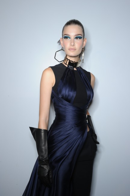 versace-haute-couture-autumn-winter-2014-2015-backstage-75