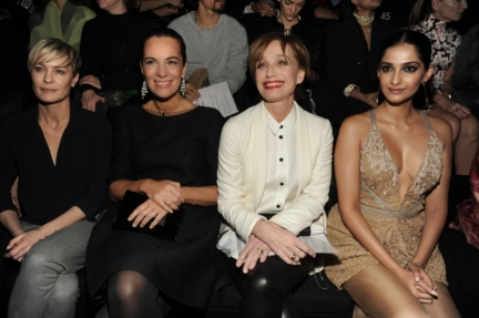 robin-wright-roberta-armani-kristin-scott-thomas-and-sonam-kapoor