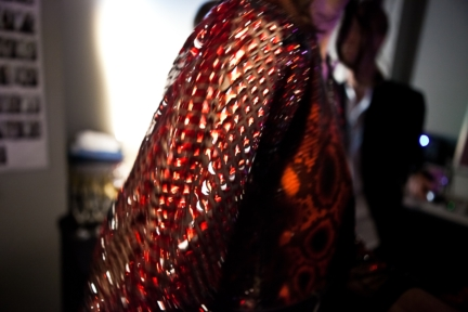 jean-paul-gaultier-paris-haute-couture-spring-summer-2015-backstage-21