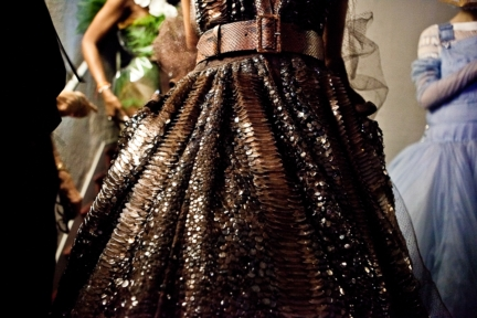 jean-paul-gaultier-paris-haute-couture-spring-summer-2015-backstage-22