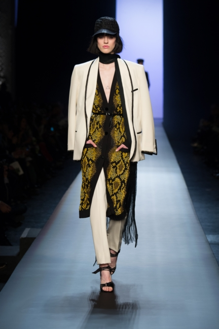 jean-paul-gaultier-paris-haute-couture-spring-summer-2015-runway-14
