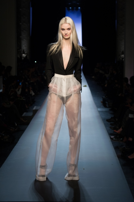 jean-paul-gaultier-paris-haute-couture-spring-summer-2015-runway-36