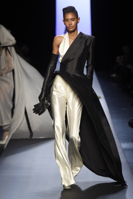 jean-paul-gaultier-paris-haute-couture-spring-summer-2015-runway-44