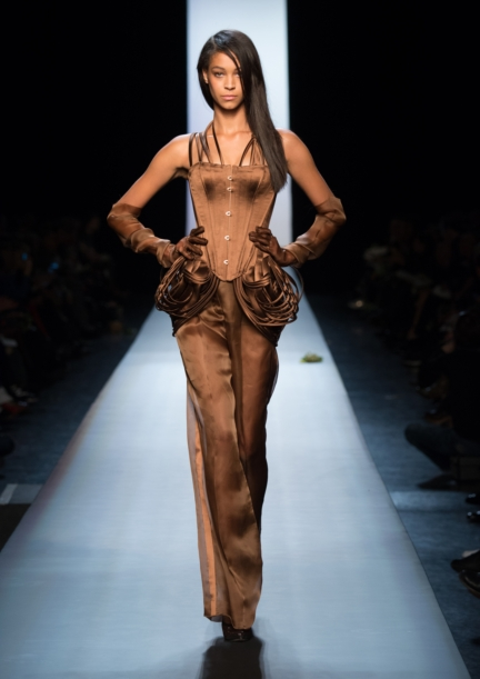 jean-paul-gaultier-paris-haute-couture-spring-summer-2015-runway-59