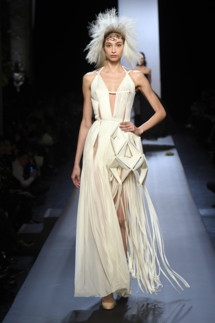 jean-paul-gaultier-paris-haute-couture-spring-summer-2015-runway-62