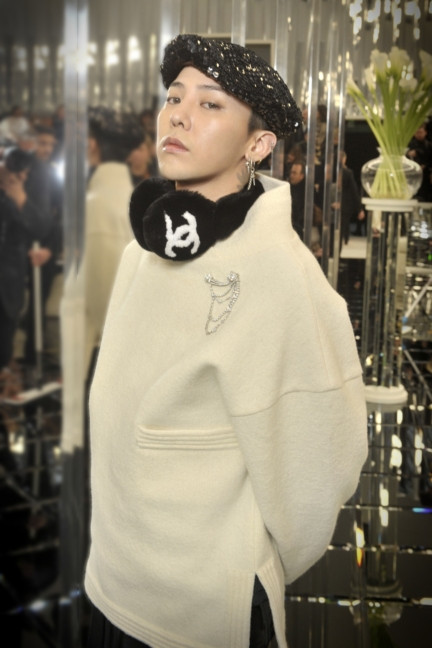 01_g-dragon_spring-summer-2017-haute-couture-collection