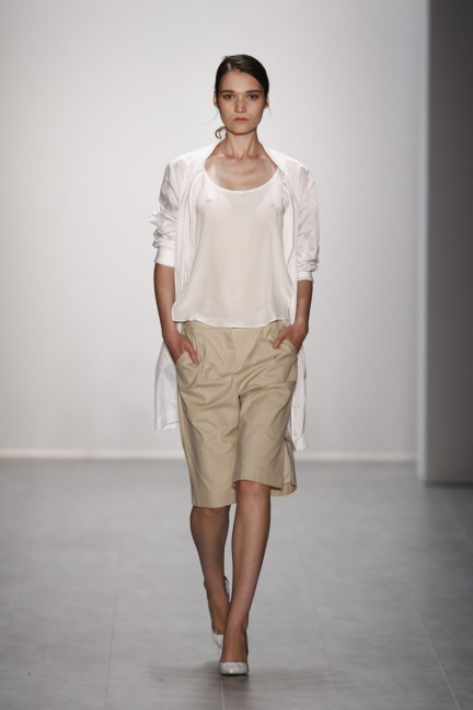 hien-le-mercedes-benz-fashion-week-berlin-spring-summer-2015-10