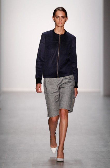 hien-le-mercedes-benz-fashion-week-berlin-spring-summer-2015-16