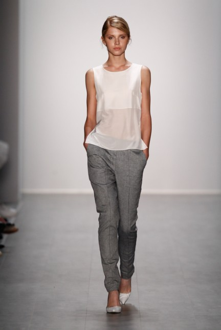 hien-le-mercedes-benz-fashion-week-berlin-spring-summer-2015-17