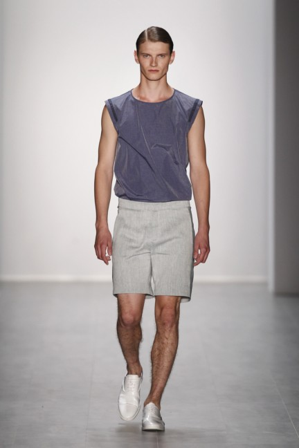 hien-le-mercedes-benz-fashion-week-berlin-spring-summer-2015-22
