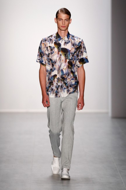hien-le-mercedes-benz-fashion-week-berlin-spring-summer-2015-27