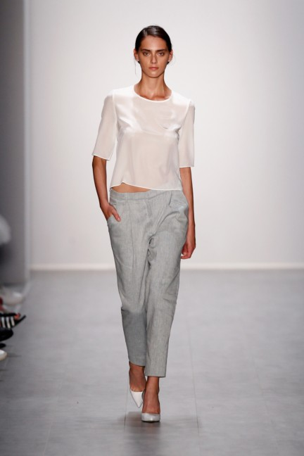 hien-le-mercedes-benz-fashion-week-berlin-spring-summer-2015-29