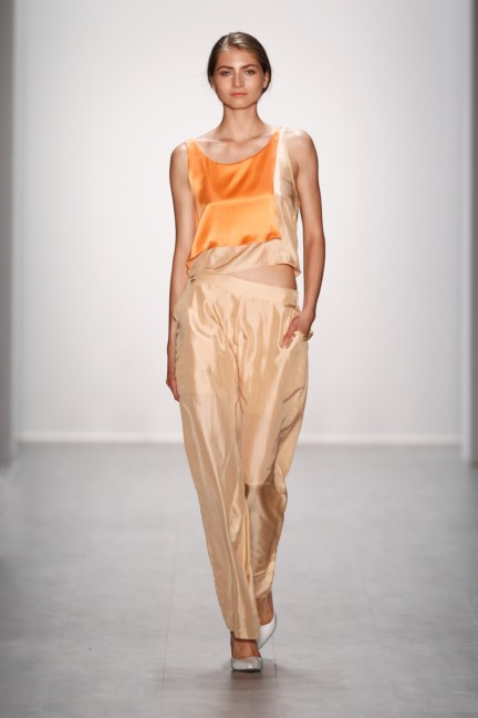 hien-le-mercedes-benz-fashion-week-berlin-spring-summer-2015-4