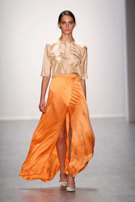 hien-le-mercedes-benz-fashion-week-berlin-spring-summer-2015-5