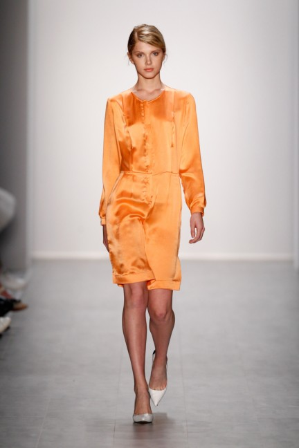 hien-le-mercedes-benz-fashion-week-berlin-spring-summer-2015-6