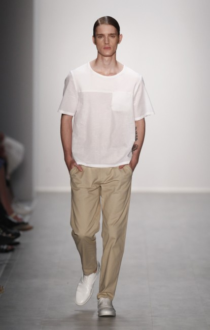 hien-le-mercedes-benz-fashion-week-berlin-spring-summer-2015-9