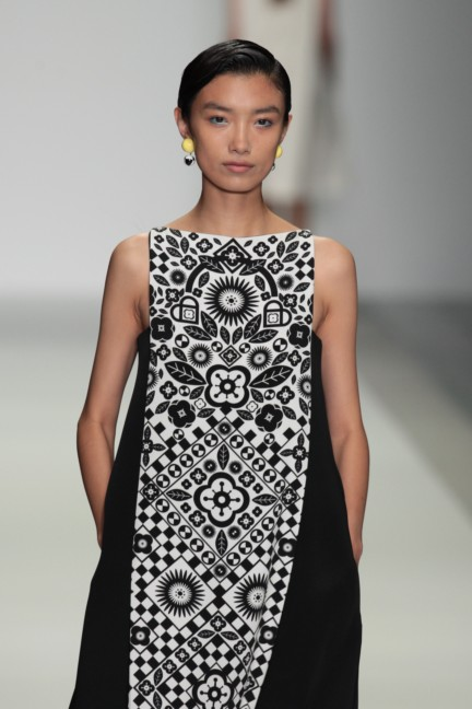holly-fulton-london-fashion-week-spring-summer-2015-10