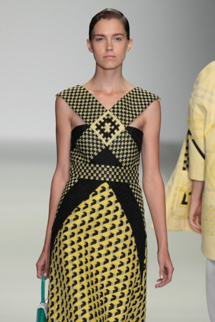 holly-fulton-london-fashion-week-spring-summer-2015-16