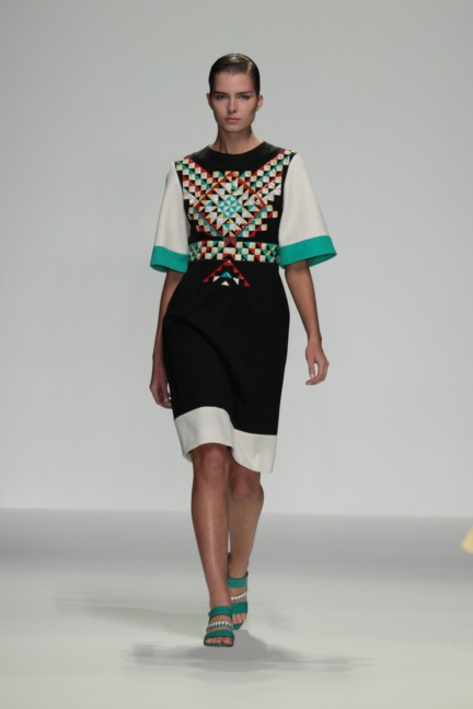 holly-fulton-london-fashion-week-spring-summer-2015-17