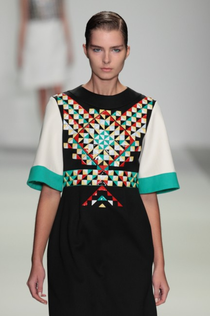 holly-fulton-london-fashion-week-spring-summer-2015-18