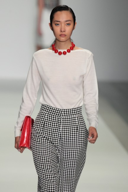 holly-fulton-london-fashion-week-spring-summer-2015-24