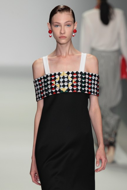 holly-fulton-london-fashion-week-spring-summer-2015-26