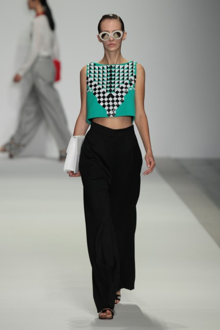 holly-fulton-london-fashion-week-spring-summer-2015-27