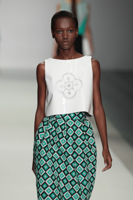 holly-fulton-london-fashion-week-spring-summer-2015-30
