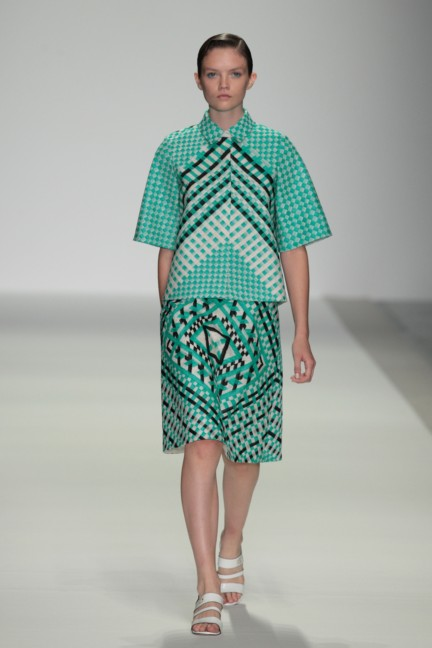 holly-fulton-london-fashion-week-spring-summer-2015-31