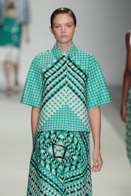 holly-fulton-london-fashion-week-spring-summer-2015-32