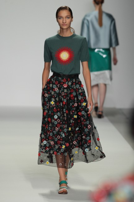 holly-fulton-london-fashion-week-spring-summer-2015-37