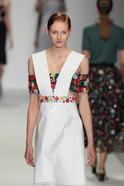 holly-fulton-london-fashion-week-spring-summer-2015-40