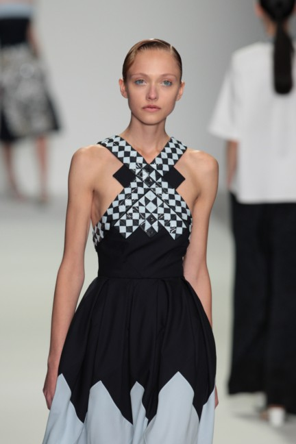 holly-fulton-london-fashion-week-spring-summer-2015-46