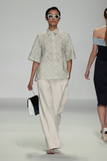 holly-fulton-london-fashion-week-spring-summer-2015-51