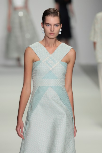 holly-fulton-london-fashion-week-spring-summer-2015-54