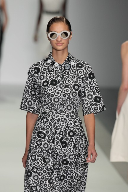 holly-fulton-london-fashion-week-spring-summer-2015-8
