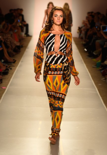 indah-mercedes-benz-fashion-week-miami-swim-2015-100