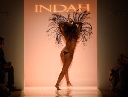 indah-mercedes-benz-fashion-week-miami-swim-2015-111