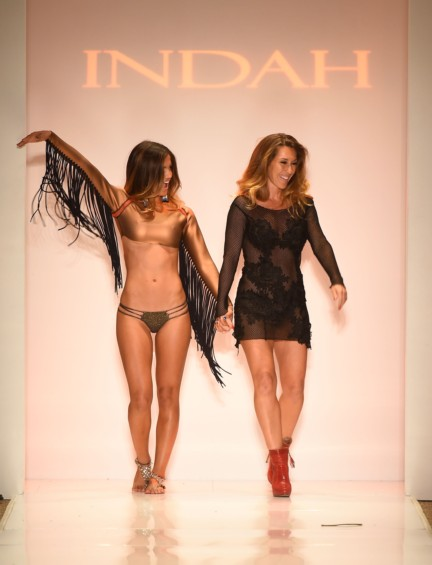indah-mercedes-benz-fashion-week-miami-swim-2015-171
