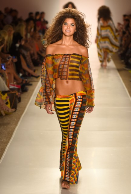 indah-mercedes-benz-fashion-week-miami-swim-2015-23