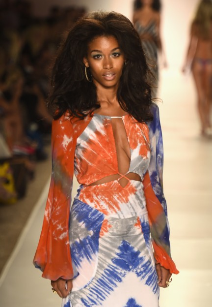 indah-mercedes-benz-fashion-week-miami-swim-2015-45