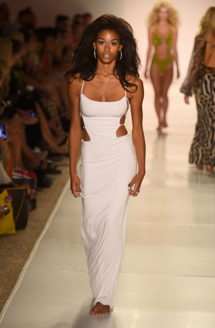 indah-mercedes-benz-fashion-week-miami-swim-2015-53