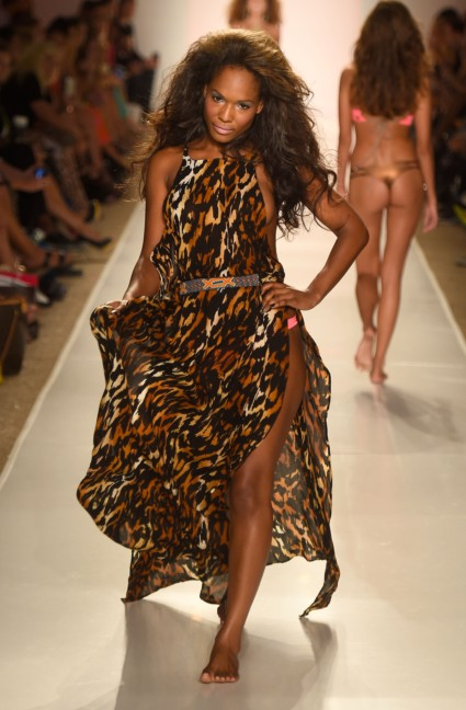 indah-mercedes-benz-fashion-week-miami-swim-2015-64