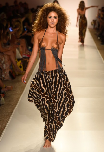 indah-mercedes-benz-fashion-week-miami-swim-2015-7