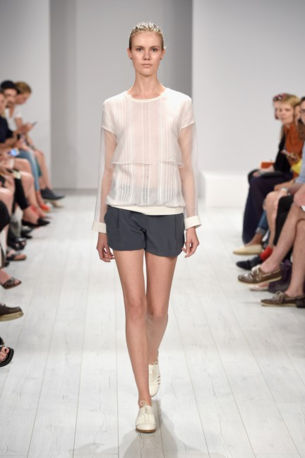 isabell-de-hillerin-mercedes-benz-fashion-week-berlin-spring-summer-2015-14